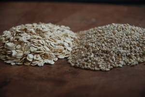 Rolled Oats on the left and Steel Cut Oats on the right.